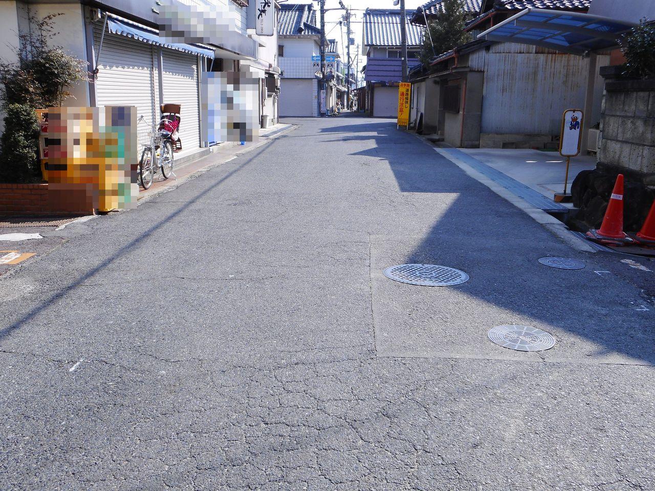 周辺は車通りが少なく静かな環境です。 是非現地をご覧下さい。 (2018年4月上旬撮影)