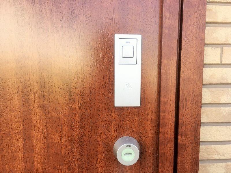 玄関鍵はカードキー搭載です。
