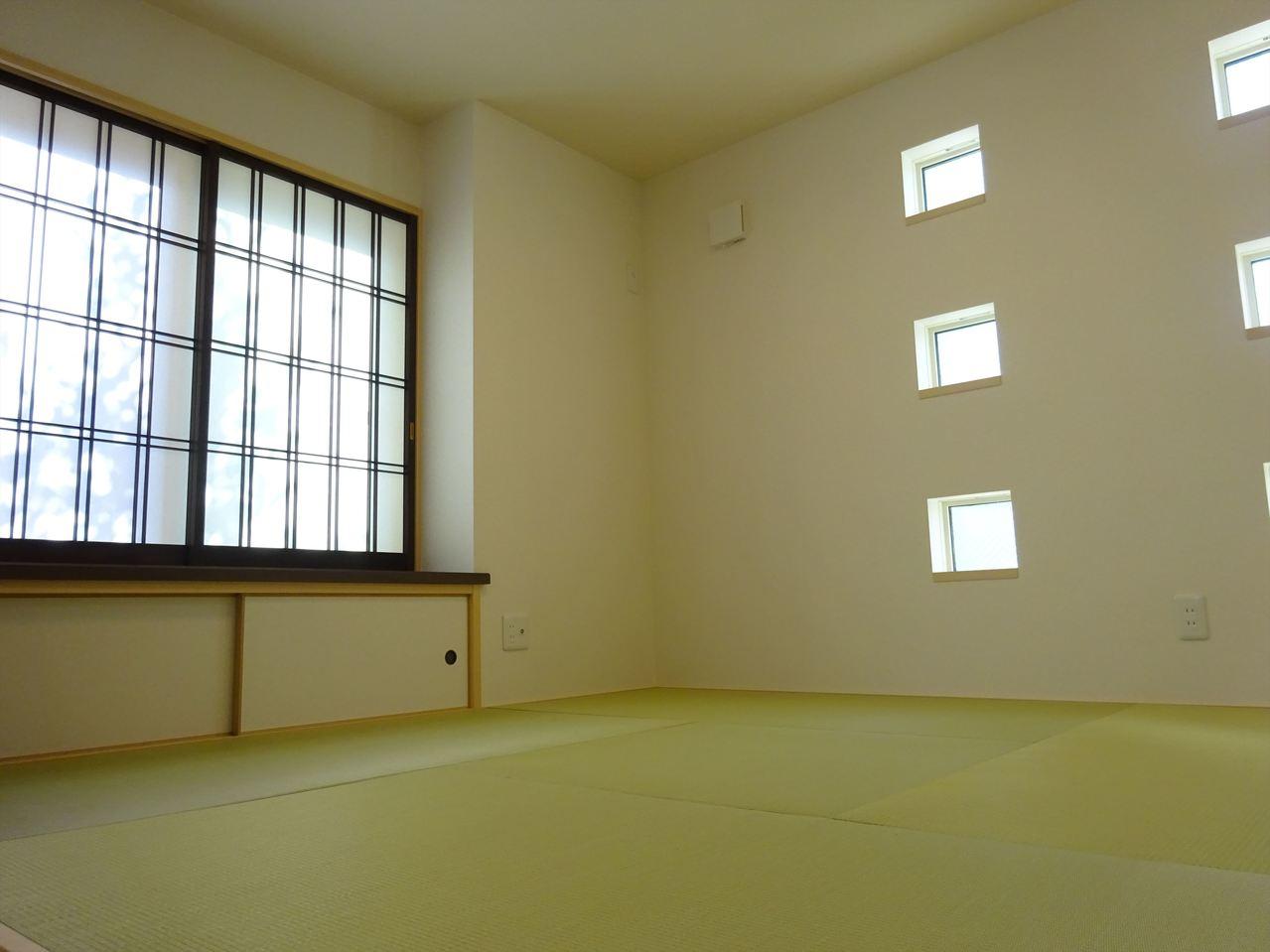 オシャレ和室♪♪収納力もばっちり! い草の香りに癒される和室♪日本の伝統を感じられる落ち着いた空間です♪