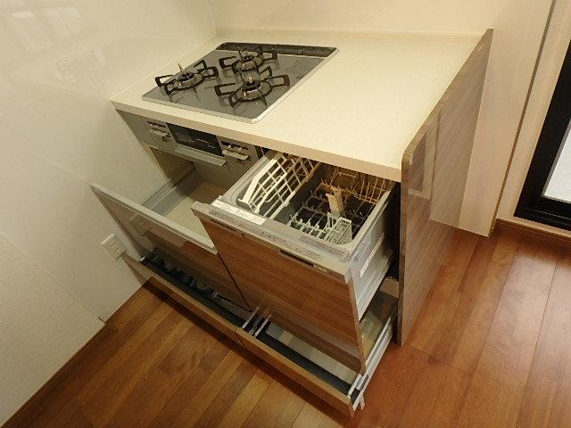 三口コンロや食洗器など設備充実!