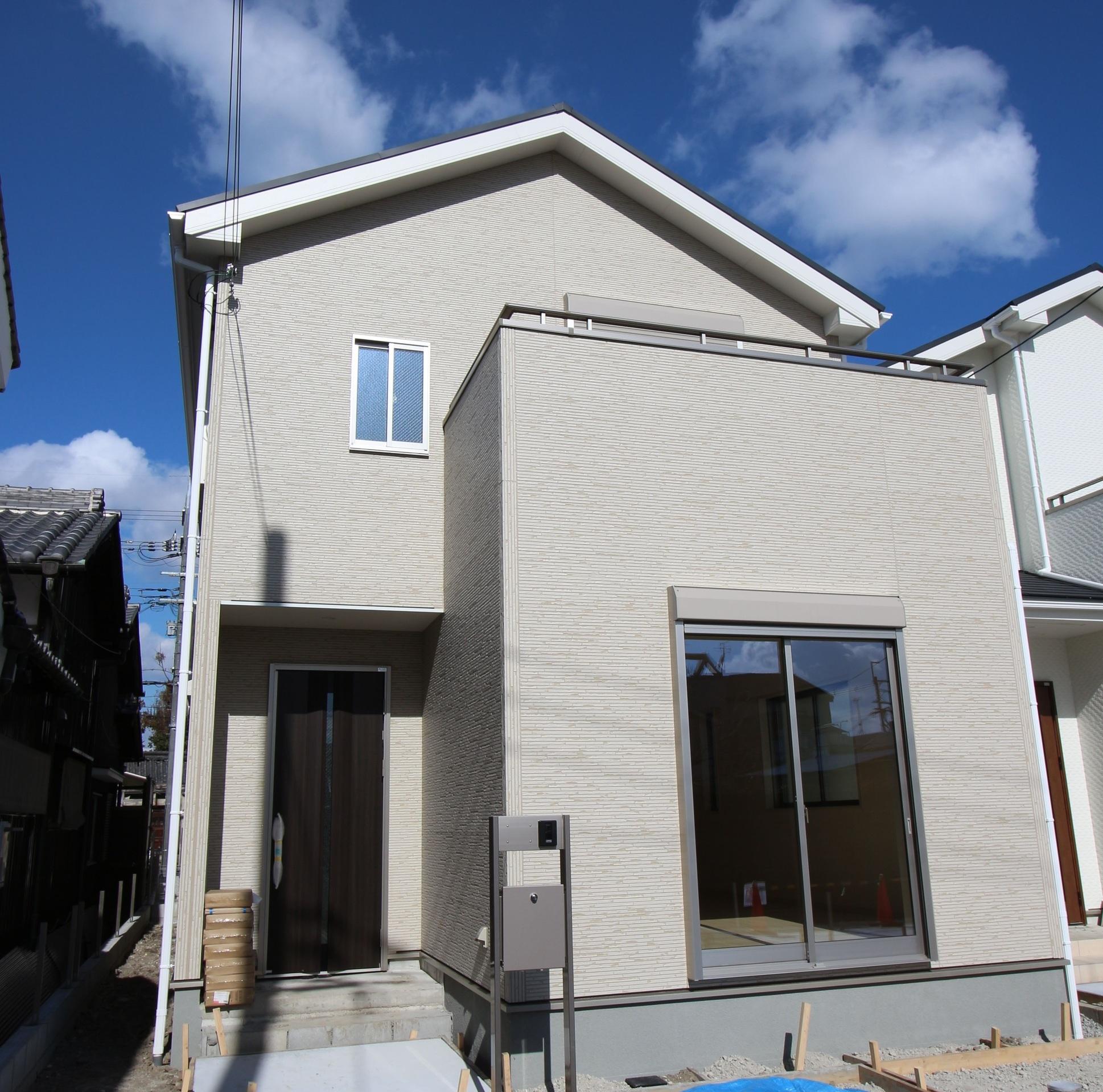 【外観写真】 建物は完成しましたので、お好きな日に内覧して頂けます。 月々6万円台のお支払いで購入可能な物件です。 ぜひご検討下さい。