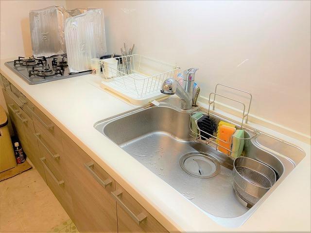 オシャレで使い心地の良いシステムキッチン キッチン収納、使い勝手バツグン。お料理がしやすそうです。