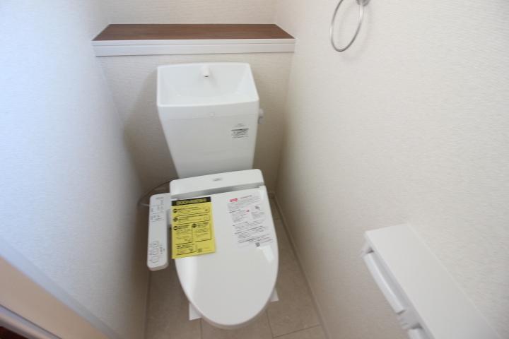 トイレ 温水洗浄便座つきトイレ。