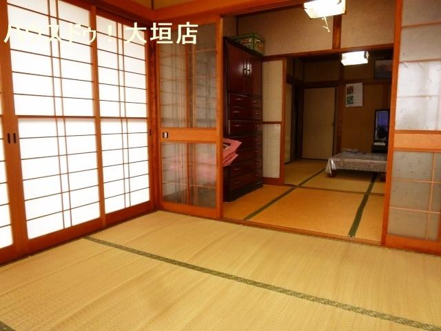 和室が備わり多用途にお使い頂けるので便利です。