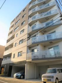 【外観写真】 金町駅徒歩4分の平成25年築マンションです。