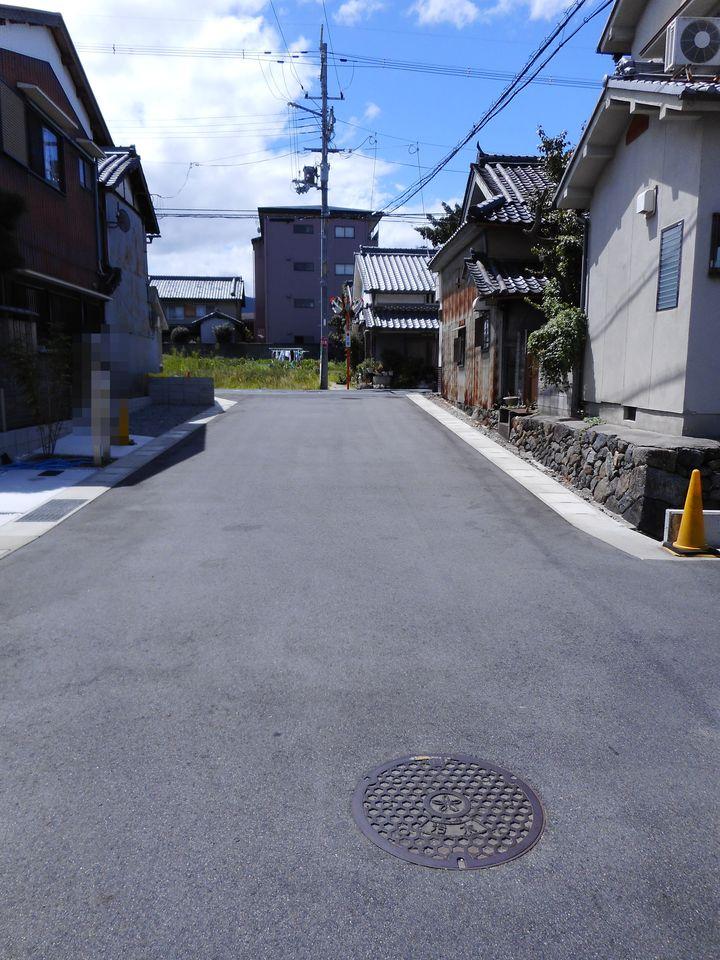 桜井駅まで徒歩8分。 ヤマトー、済生会中和病院へ徒歩7分程度の 便利な立地が自慢です