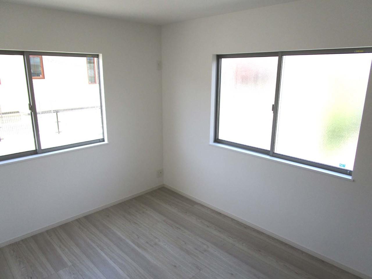 2階の洋室6帖。