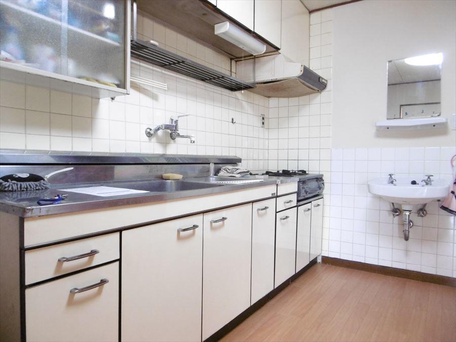 リフォームで自分だけのキッチンに♪食洗機完備のキッチンへのリフォームも可能です◎