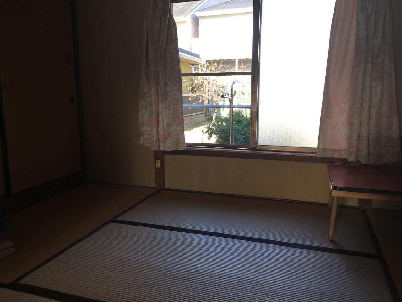 北側の和室です。押入れも大きいですよ