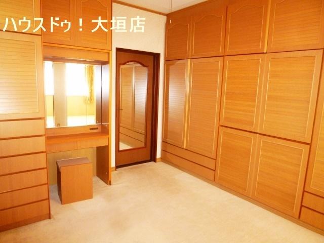 各お部屋に収納が備わり家族一人ひとりの収納を確保できます。