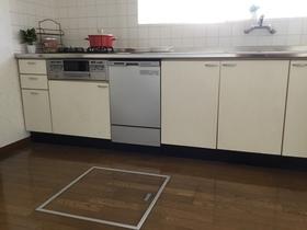 床下収納付きキッチン