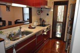 キッチンです。食器洗浄乾燥機付です。
