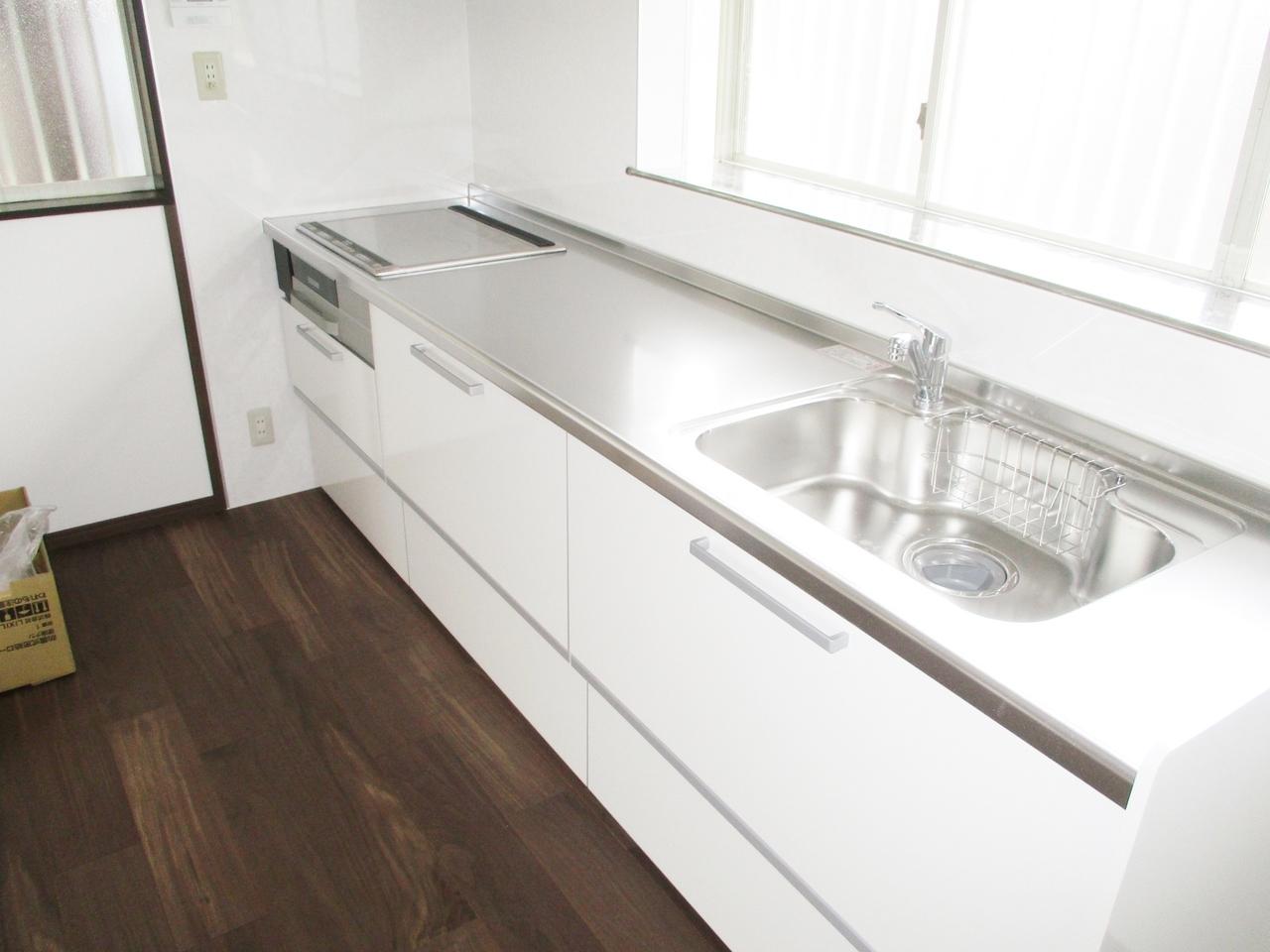 お部屋に匂いがつきにくい独立型キッチン