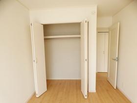 ◆収納:L号棟(4/8撮影) 全居室収納付!ご家族の思い出も大切にしまっておけるたっぷり収納。