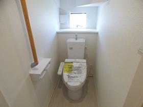 ◆トイレ:L号棟(4/8撮影) 1・2階ともにウォシュレット付!2か所トイレがございますので、朝のトイレ渋滞も解消!