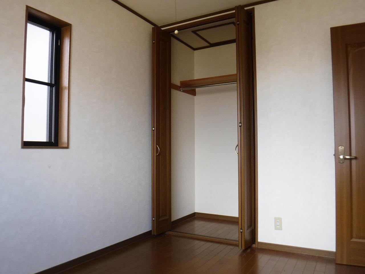 全居室収納スペース有り(^^)荷物が多くても十分納まります!