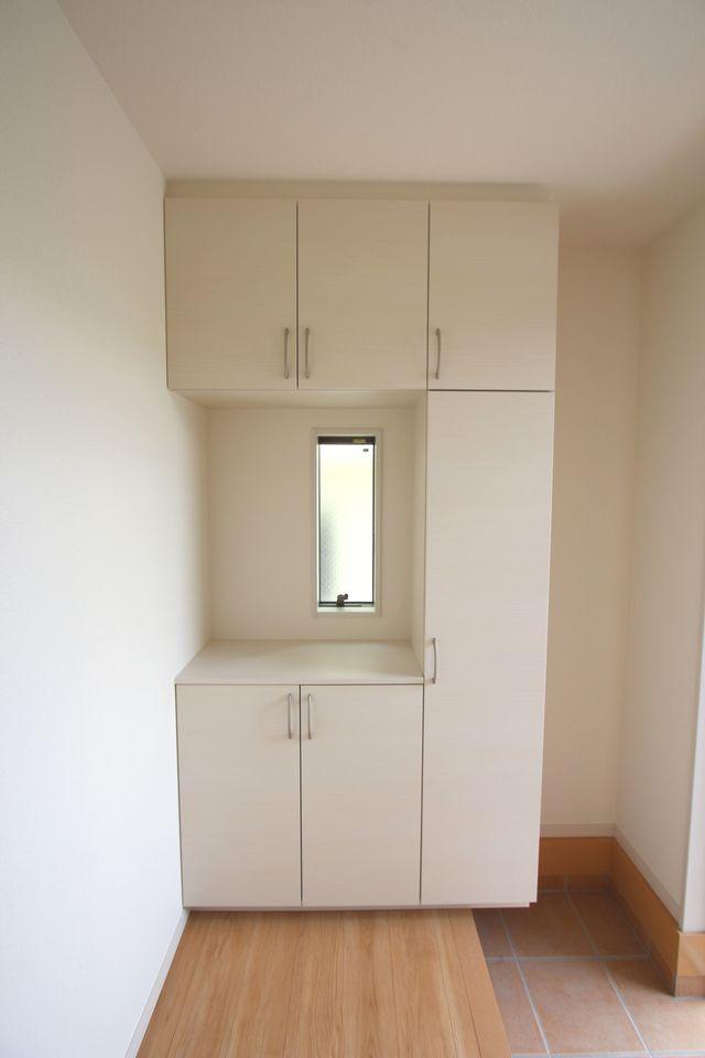 2階に約3帖の収納スペースを確保。 お手持ちのタンスやチェストも納めて頂けます。 大きなお荷物があっても安心ですね。 (同社施工例)