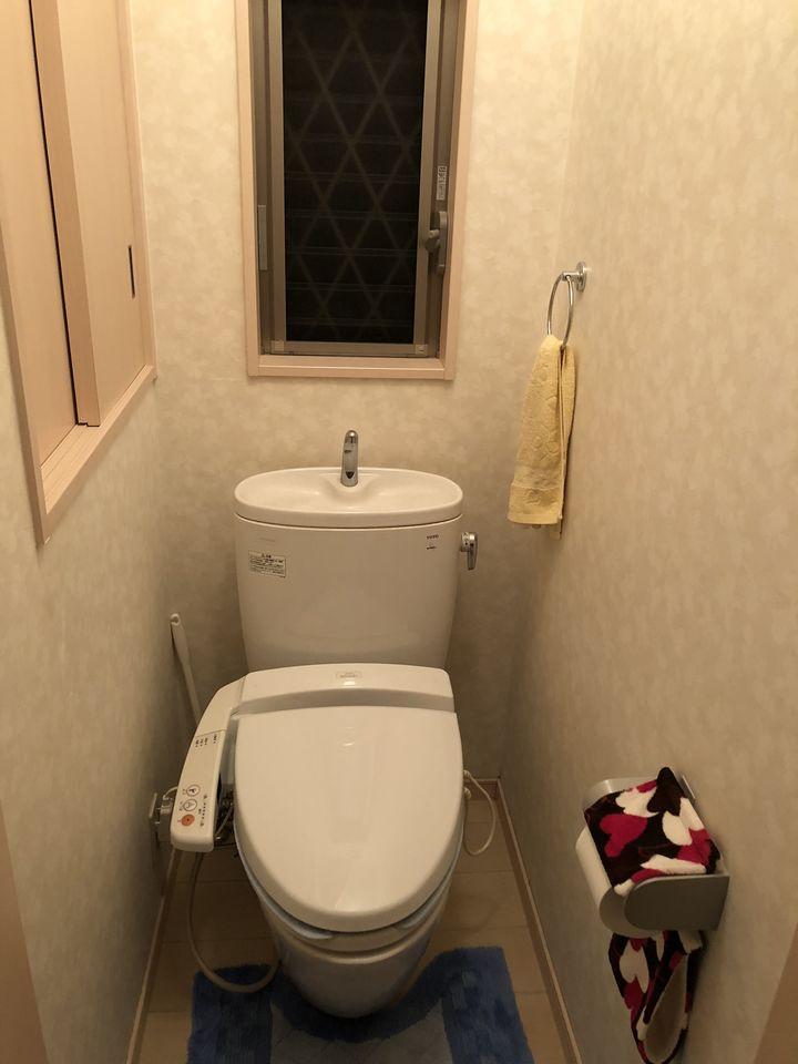 1・2階にトイレを設置しております。 ウォシュレット完備です。
