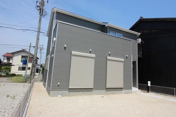 【外観写真】 阿野町 新築戸建  4LDK 駐車スペース3台分
