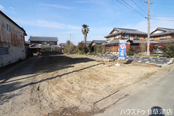 【外観写真】 南東向き・建築条件なし・土地約53坪・現況更地・間口約10.17m
