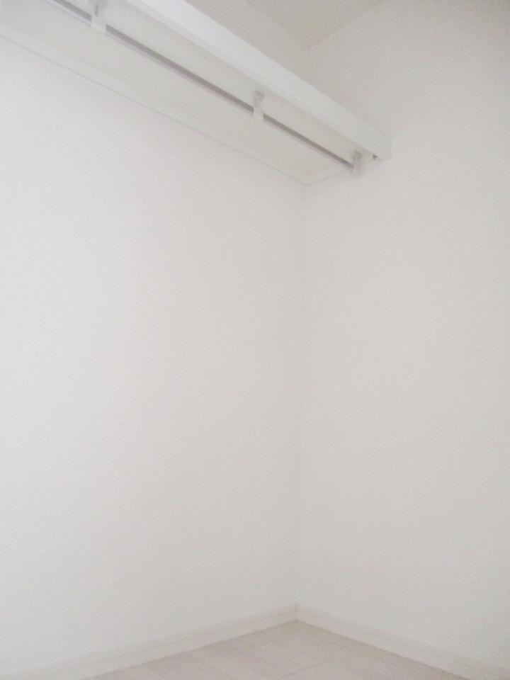【同社施工例】ウォークインクローゼット付き!お部屋もすっきり片付けられます