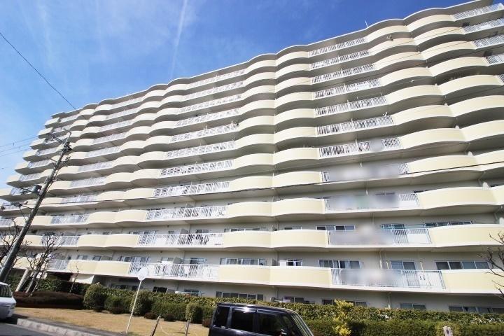 ペット飼育可(規約有)・13階建て5階です。