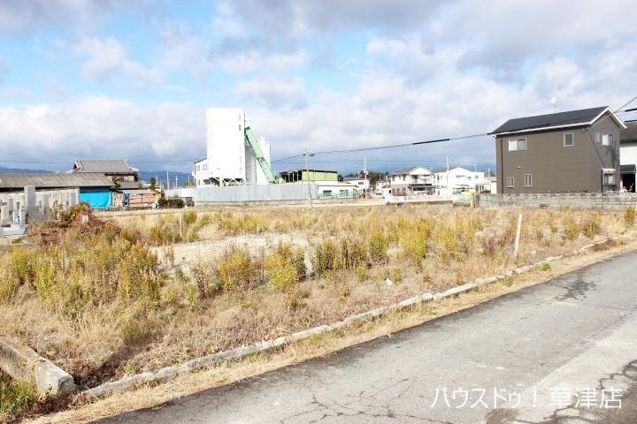 新堂中学校まで徒歩20分(約1600m)