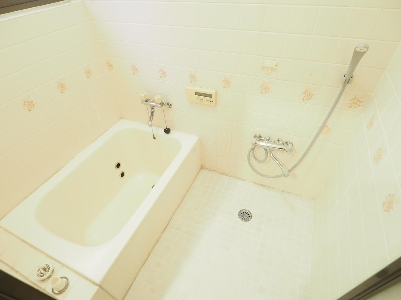 便利なオートバスの浴室