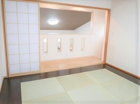 開放的な和室ですね  琉球畳がまた お洒落ですよね