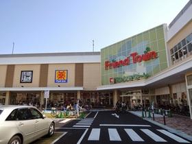 フレンドマート深江橋店まで約494m徒歩7分  大阪市城東区永田3-2-6 滋賀県を中心に近畿・北陸・東海地方で総合スーパーとスーパーマーケットを展開する企業平和堂が展開するスーパーマーケットです