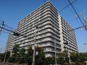 【外観写真】 昭和57年築 総戸数389戸 15階建て6階部分 コンビニ、スーパーが徒歩圏内の好立地マンションです☆