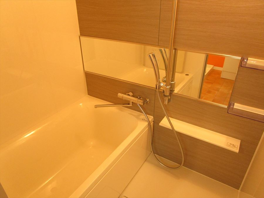 清潔感があり、お手入れしやすい浴室です。ゆったりとしたバスタイムを・・