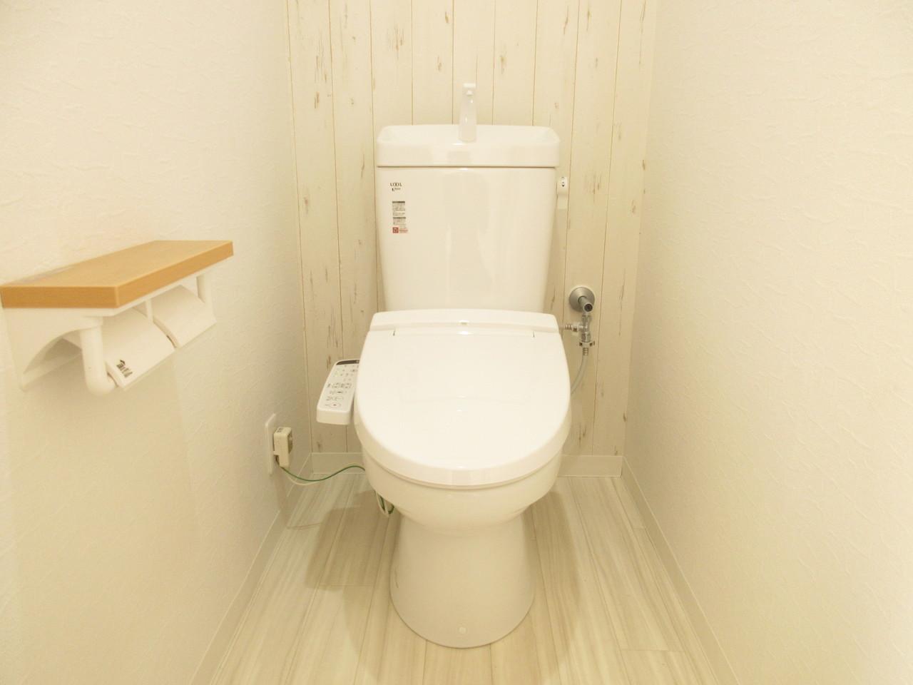 木目がお洒落なトイレ。デザイン性に特化しており、トイレに行くのも楽しくなっちゃいそうです(^^)♪