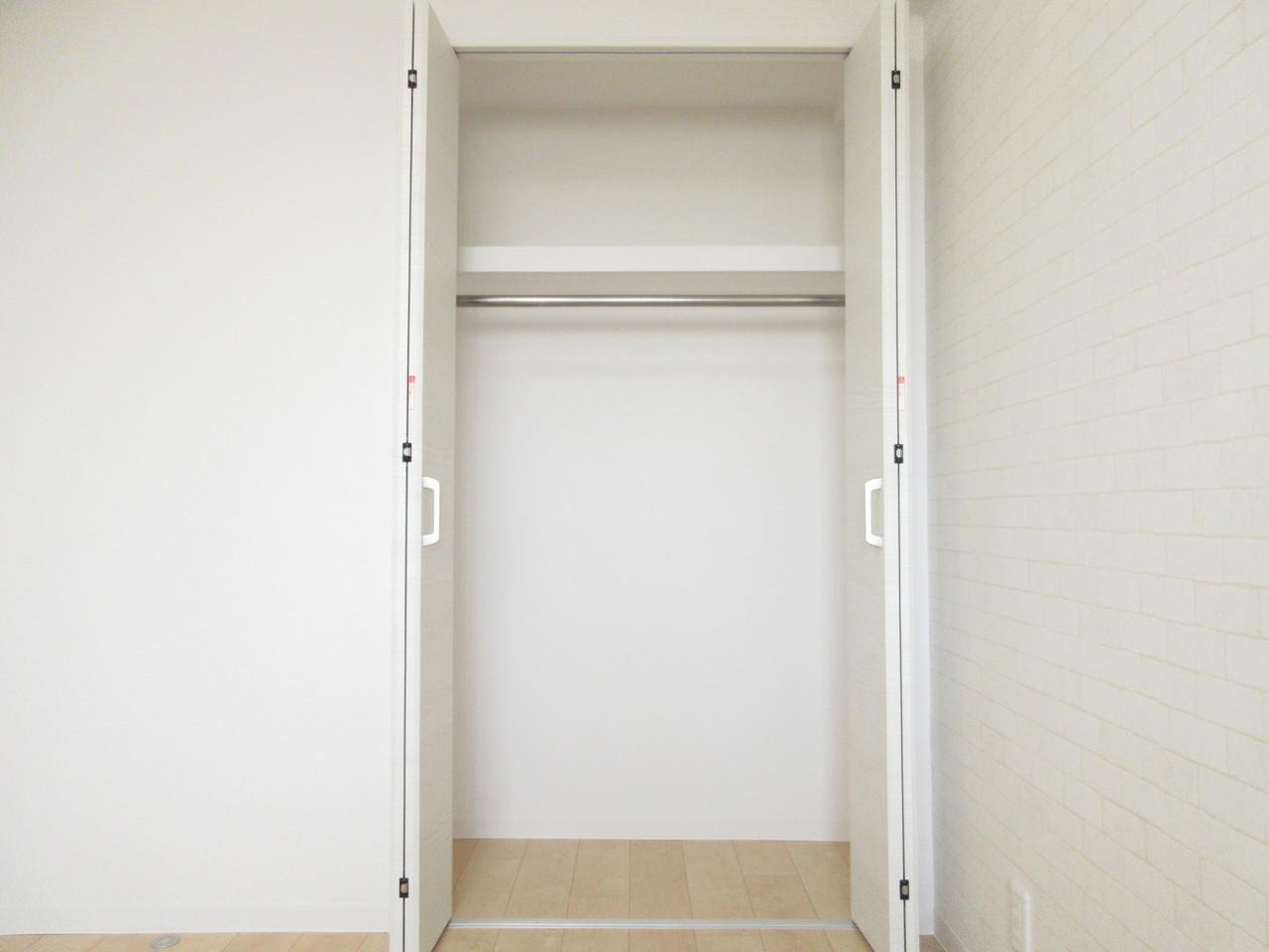 洋室にはどちらも収納スペースがあり使いやすいお部屋になっています◎