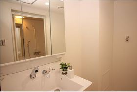 洗面化粧台新調 大きな鏡で身支度もバッチリです♪