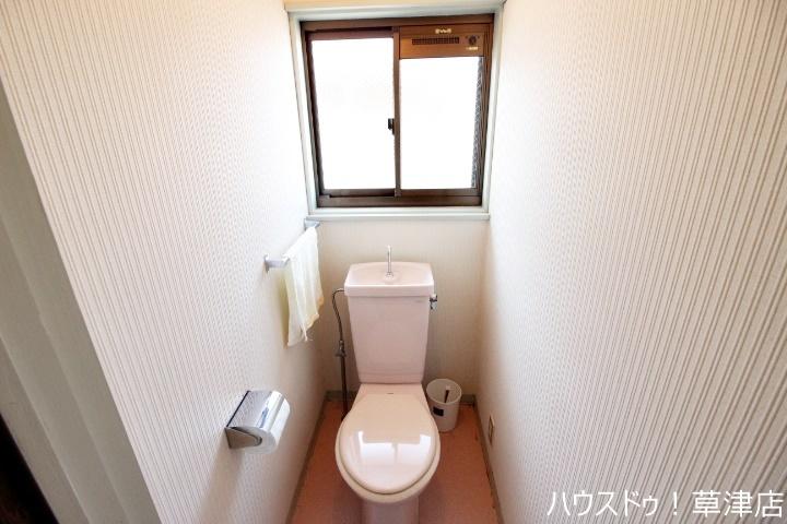 2ヵ所のトイレは朝の混雑緩和に活躍します。