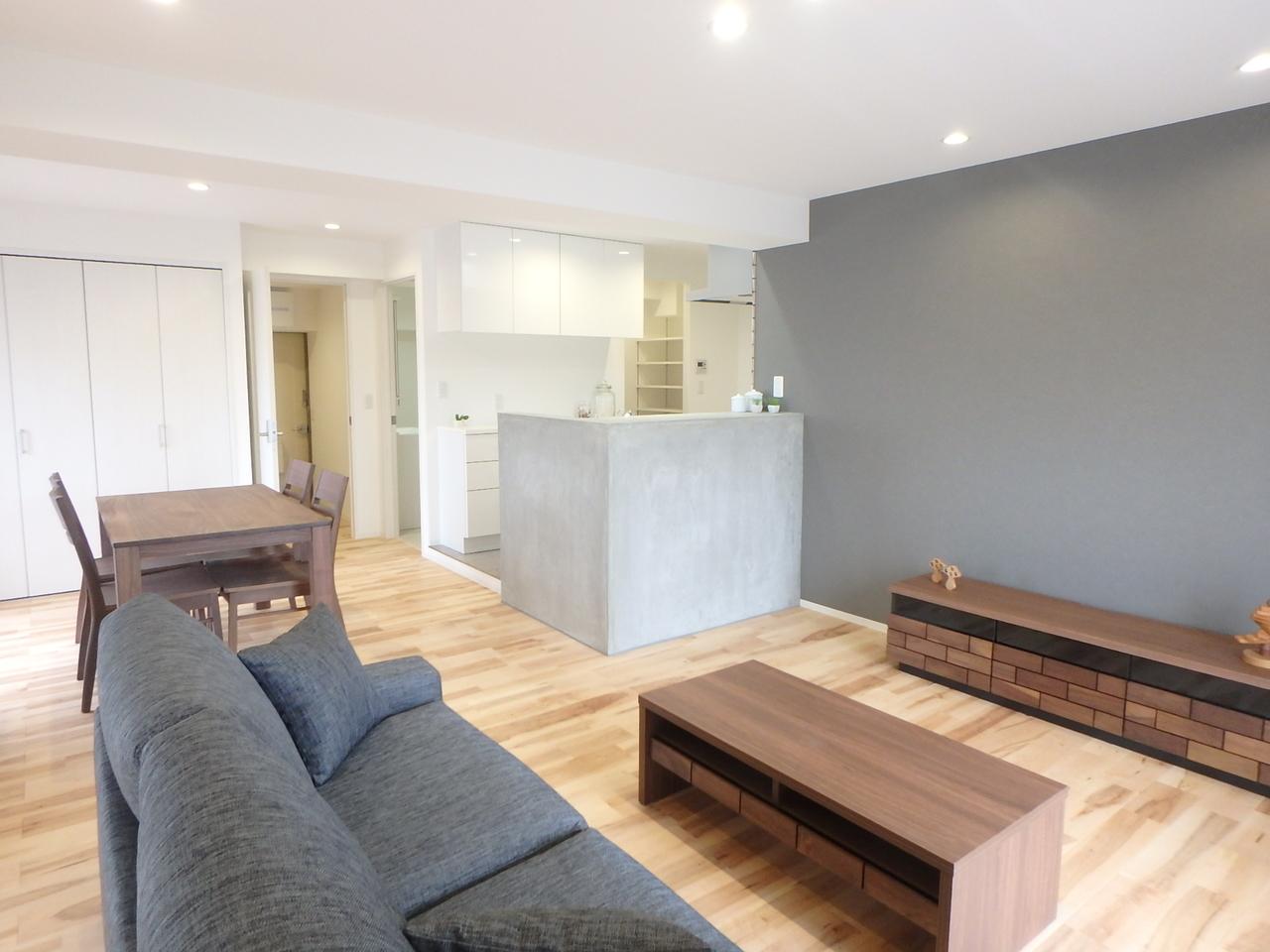 お部屋の一番明るい位置にリビングをレイアウト。キッチン&ダイニングを見渡せます。明るく広々!