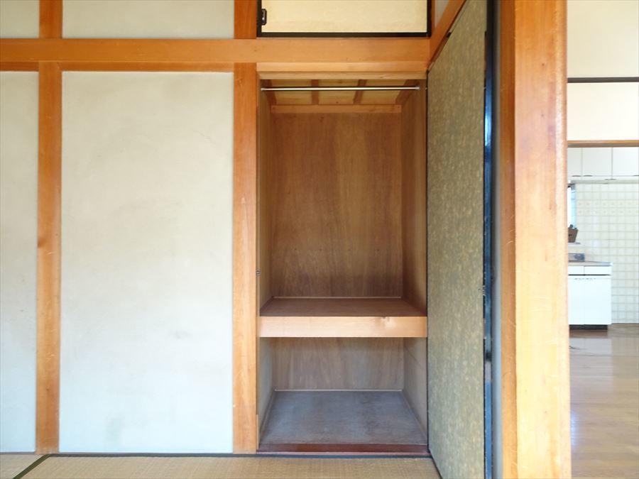 LDK隣の和室収納。奥行きのある押入になっています。