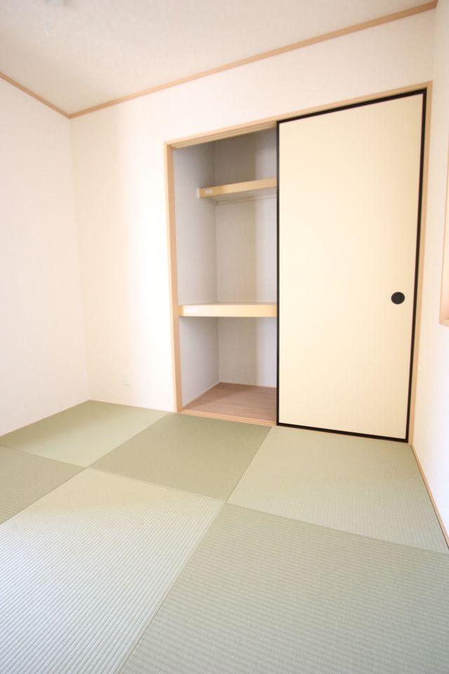 押入れのある和室は寝室や客間として 大変便利にご利用頂けます。