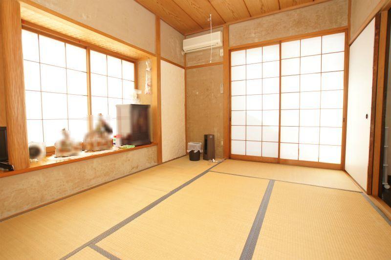 和室(約6帖) こちらも南西向きで明るくなっております。