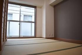 5.5帖の和室です。 可動式間仕切りなので1室としてもご利用できます