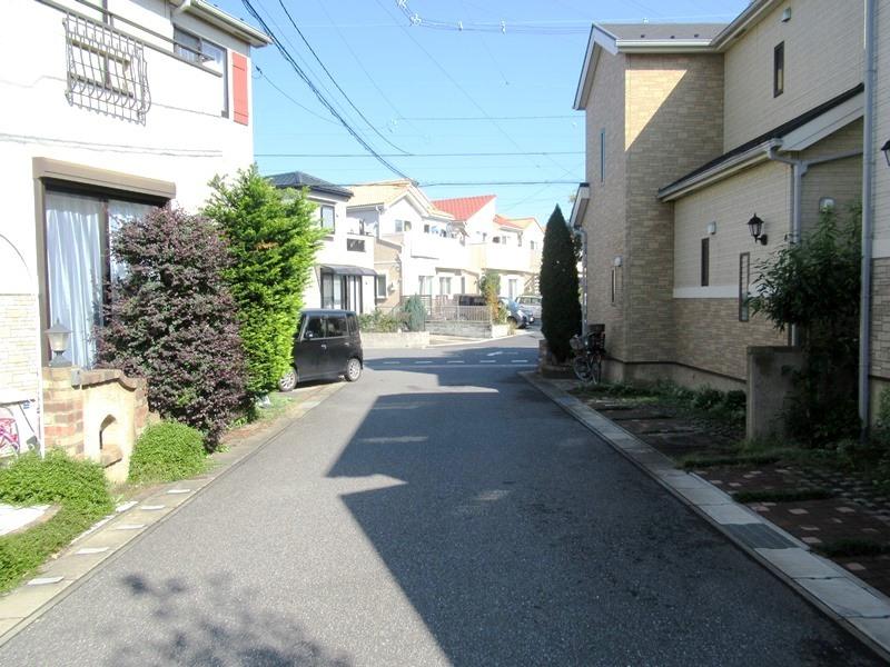 ◎前面道路 接道間口約19mで開放感のある敷地!南東5m×北東7.3mの角地で、日当たりも良好です!