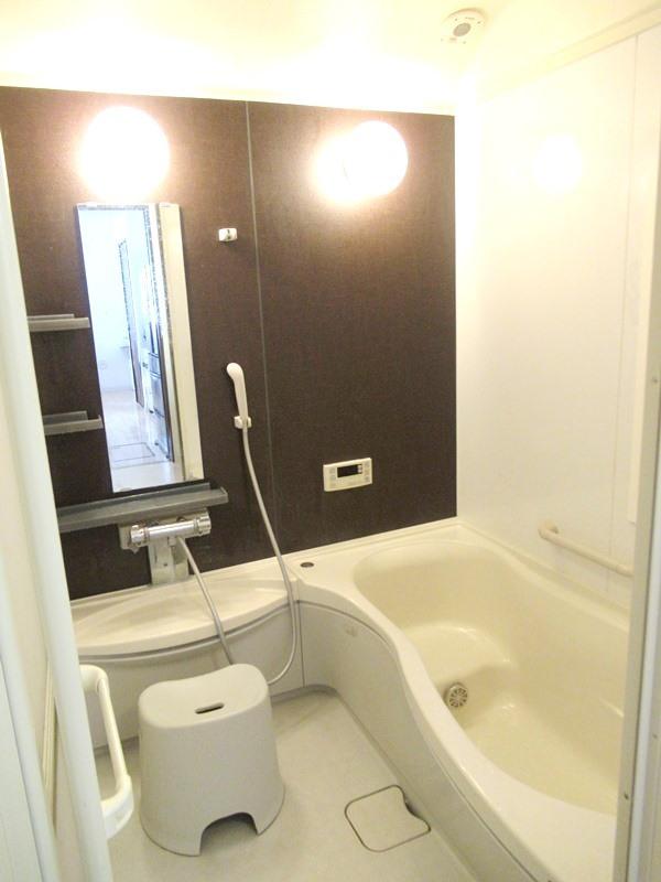 ◎浴室 1坪タイプの広々浴室で日々の疲れも癒してくれる、くつろぎのバスタイムを!