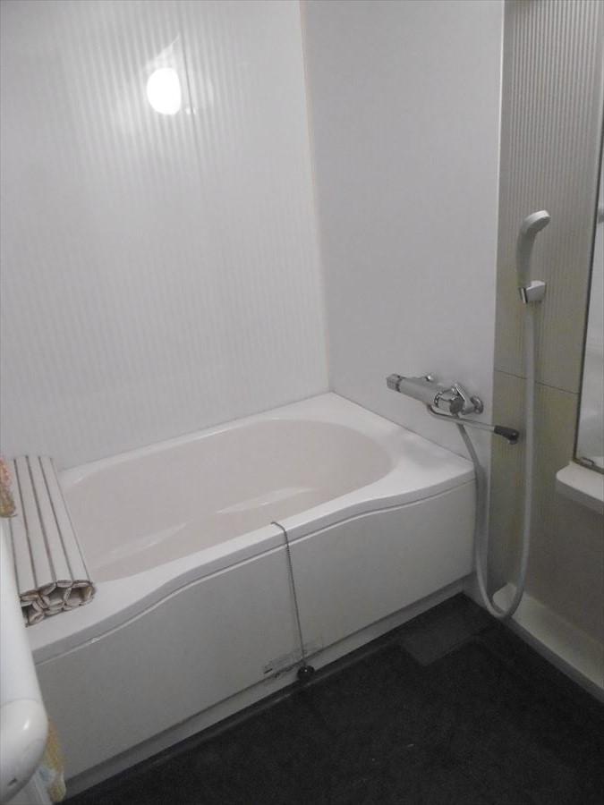 清潔感のある浴室はタイルがお洒落です◆使い勝手も良くゆったりとしたバスタイムを楽しめます♪