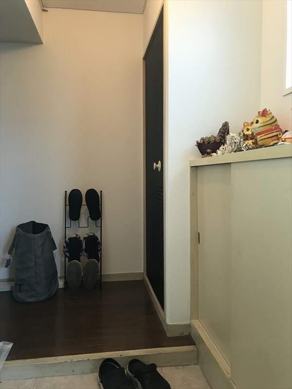 玄関横には収納スペースがあり、お子さまのおもちゃや外で使うものなどを収納しておけます◎ちょっとしたスペースがあると便利ですね(^^)