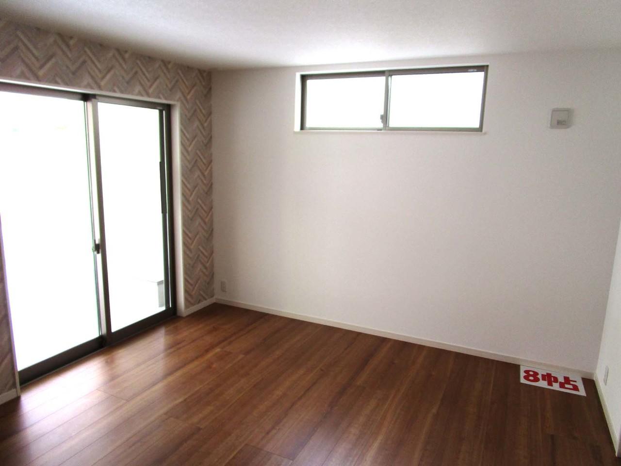 1階の洋室8帖です。