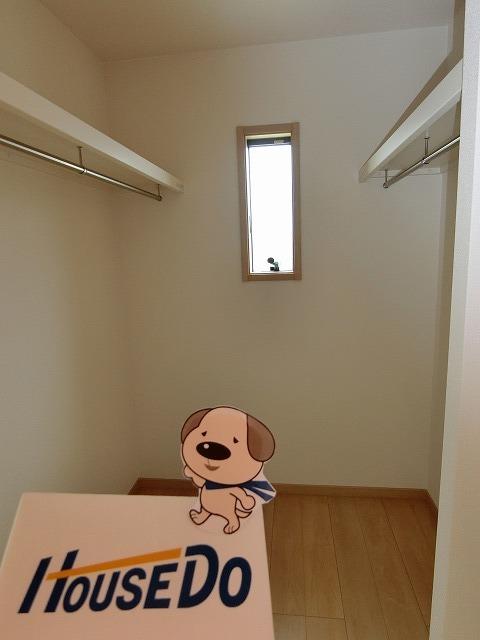 ウォーキングクローゼット付!お部屋もすっきり片づけられますね。