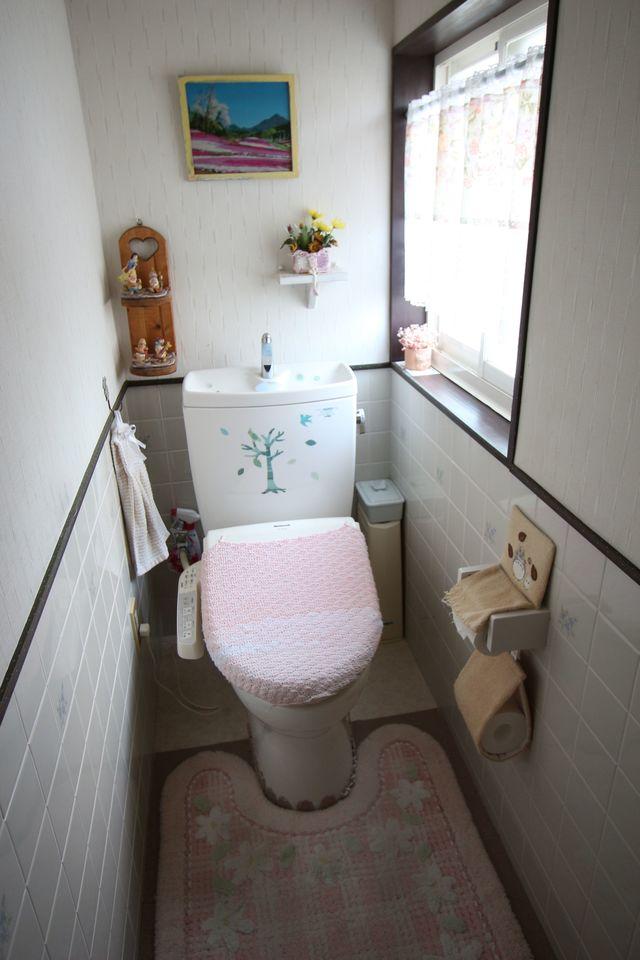 トイレはウォシュレット付き。 寒い季節にとっても嬉しい設備です。