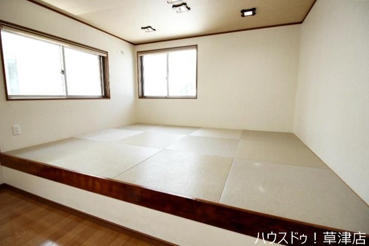 畳のある和室ならではの照明、インテリアのコーディネイトを考えてみるのも楽しいですね。
