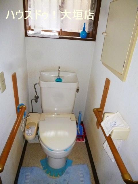 トイレは2階にもございます。